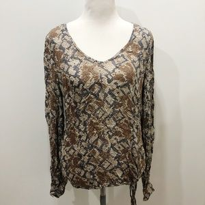 LUCKY BRAND Size M Top Gray Abstract Print Casual